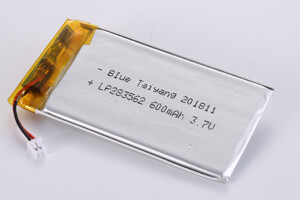 Li Polymer Battery LP283562 3.7V 600mAh with protection circuit, wires and connector